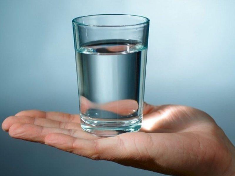 Стакан водородной воды фото
